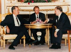Witold Skowroński interpreting the conversation between Polish President Lech Wałęsa and US President George Bush